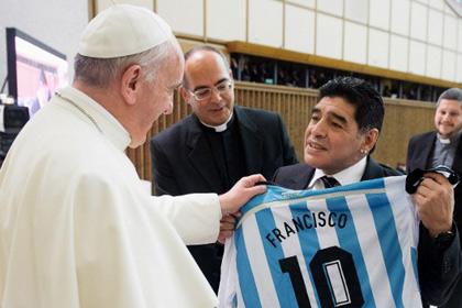 Папе Римскому запрещали посещать раздевалку любимой команды