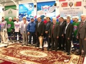 Губернатор Алексей Островский встретился с игроками Смоленского «Славутича» перед началом сезона