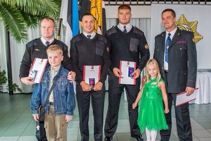 Бойца смешанных единоборств наградили медалью за спасение человека