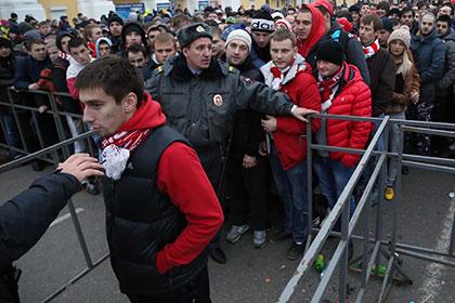 Порядок на матче Кубка России в Казани обеспечат пять тысяч полицейских