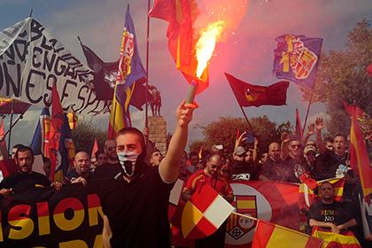 В Испании решили за два года избавиться от футбольных фанатов