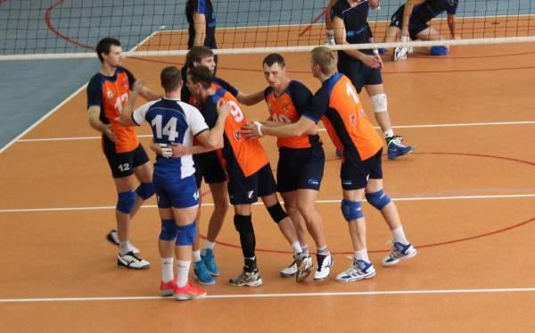 Смоленский «Феникс» дважды обыграл тверских волейболистов