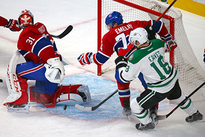 В НХЛ россиянин разбил лицо канадцу