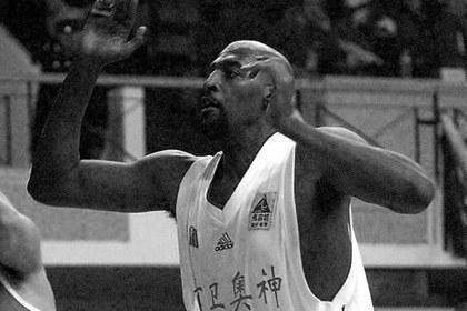 Умер бывший игрок НБА Рой Тарпли
