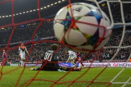 «Бавария» забила донецкому «Шахтеру» семь безответных мячей
