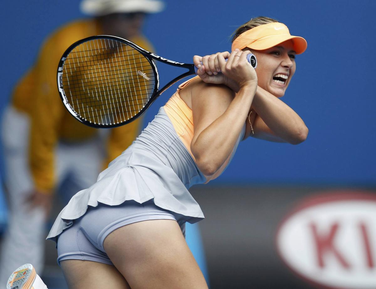 Шарапова обыграла Азаренко в третьем круге теннисного турнира в Индиан-Уэллсе