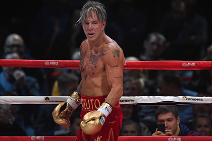 Микки Рурк запланировал проведение боксерского поединка на лето 2015 года