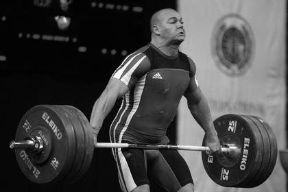 Олимпийского чемпиона-2004 по тяжелой атлетике нашли мертвым