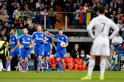 «Реал» пропустил четыре гола от «Шальке» и вышел в четвертьфинал Лиги чемпионов
