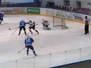 Смоленские хоккеисты начали плей-офф с победы