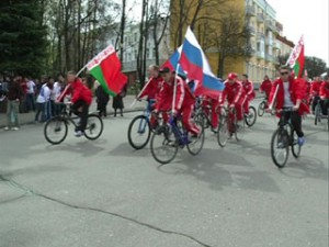 В Смоленске стартовал велопробег с участием молодежи из России и Беларуси