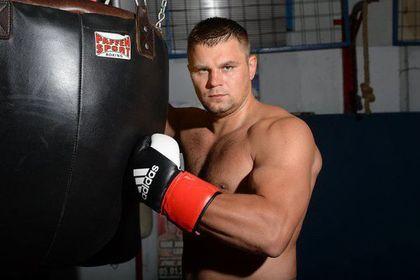 Найденный без сознания в тоннеле метро российский боксер введен в кому