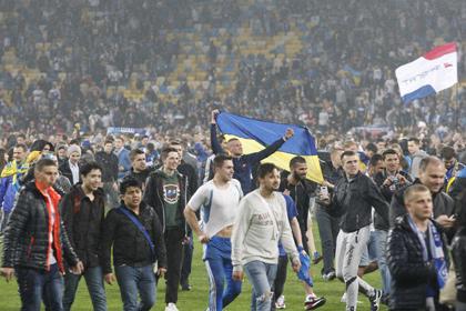 Фанаты «Днепра» устроили беспорядки на стадионе после матча с «Наполи»