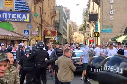 Фанаты киевского «Динамо» и поляки подрались на майдане Незалежности