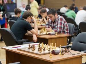 Смоляне смогут сыграть в шахматы с международными гроссмейстерами