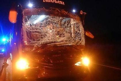 Десять футболистов испанского клуба пострадали в ДТП с грузовиком