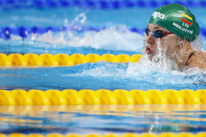 Олимпийская чемпионка по плаванию сломала руку