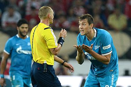 Судьи двух центральных матчей тура чемпионата России по футболу получили «неуд»