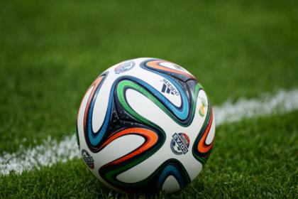 Футбольный арбитр пожизненно дисквалифицирован за ошибки в одном матче
