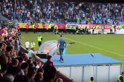 Удаленный боснийский тренер руководил командой с крыши тоннеля на стадионе