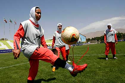 ФИФА опровергла информацию о наличии мужчин в женской сборной Ирана