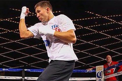 Непобежденный казахстанский боксер вызвал на бой Мэйуэзера