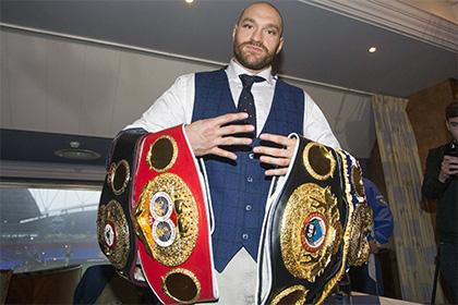 Фьюри обошел Мэйуэзера в споре за звание боксера года по версии The Ring