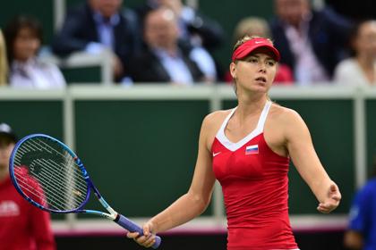 Шарапова снялась с первого турнира года из-за травмы