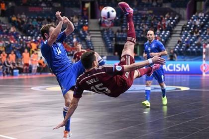 Хет-трик бразильца вывел сборную России по мини-футболу в полуфинал ЧЕ