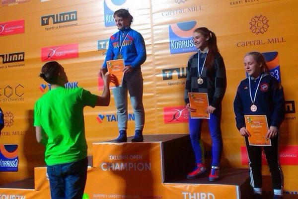 Смоленская спортсменка взяла «золото» на крупнейшем борцовском турнире в Европе