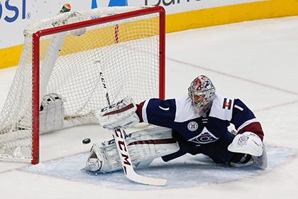 Четыре пропущенных Варламовым шайбы оставили его клуб без плей-офф НХЛ