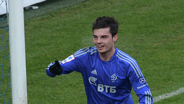 Юсупов проводит тренировку в составе сборной России по футболу
