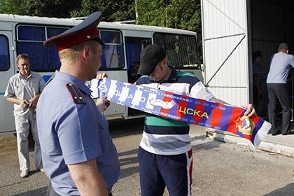 Путин обязал болельщиков предъявлять паспорт при входе на стадион