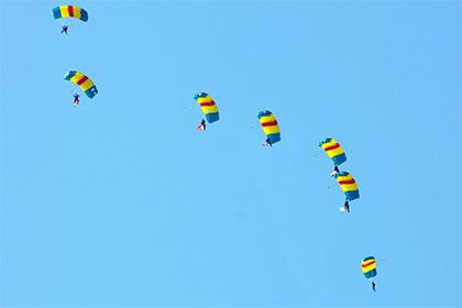 Два бразильских парашютиста погибли после построения в воздухе эмблемы ОИ