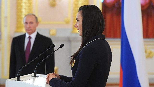 Путин пообещал олимпийцам защитить их интересы