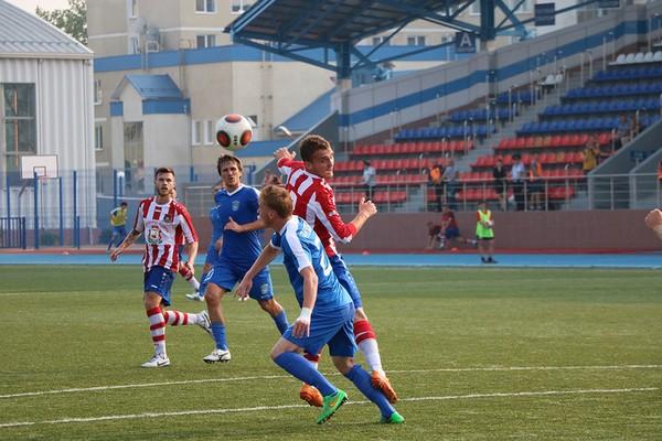 Смоленские футболисты одержали первую победу в сезоне