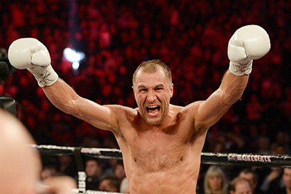 Боксер Ковалев защитил три титула чемпиона мира