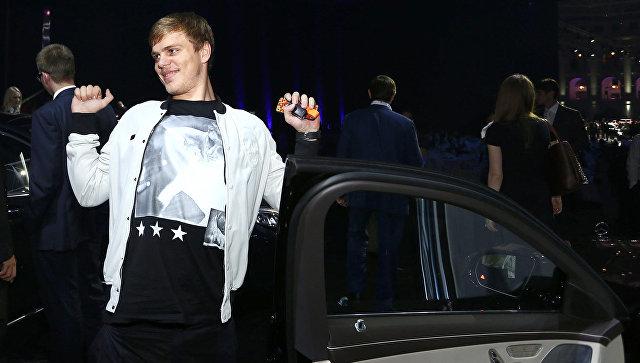КПРФ предлагает ограничить зарплаты российских футболистов