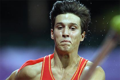 Испанский прыгун с чужим шестом провалил отбор на Олимпиаду