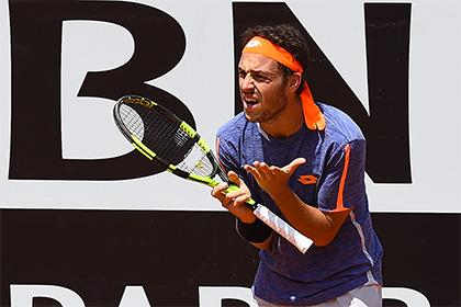 Итальянского теннисиста дисквалифицировали за участие в договорных матчах