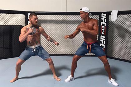 Роналду вышел на ринг с чемпионом UFC Макгрегором