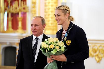 Российские гандболистки пришли к Путину с мячом