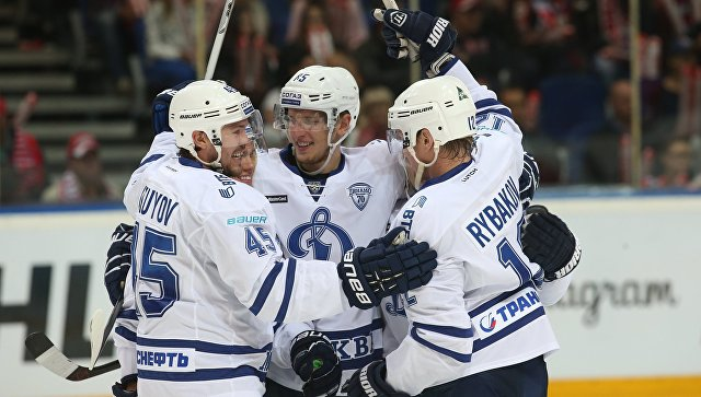 Московский ХК «Динамо» обыграл ярославский «Локомотив» в матче КХЛ