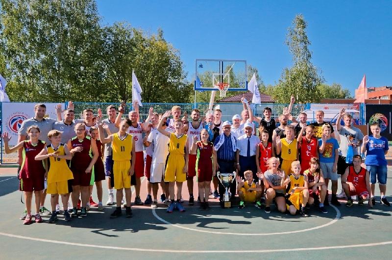 В Десногорске открыли баскетбольный стадион