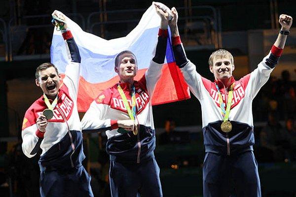 Выпускник Смоленской физакадемии завоевал «золото» Олимпиады в состязаниях по рапире