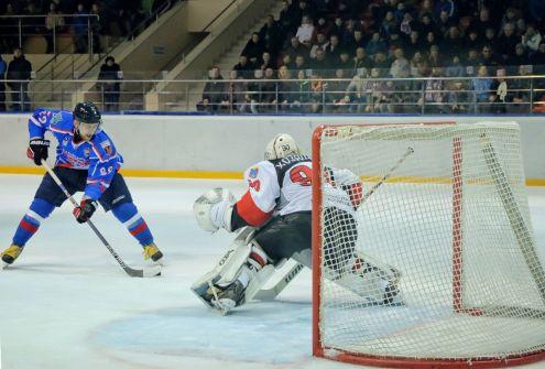 Смоленский «Славутич» стартовал в Первенстве ВХЛ с победы