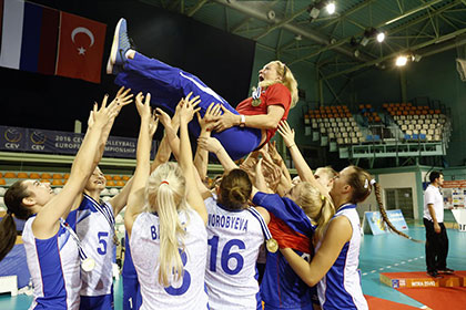 Российские волейболистки впервые за 22 года выиграли юношеский ЧЕ