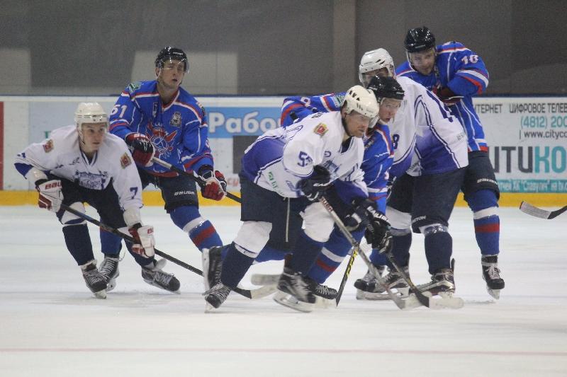Смоленский «Славутич» подписал девять хоккеистов