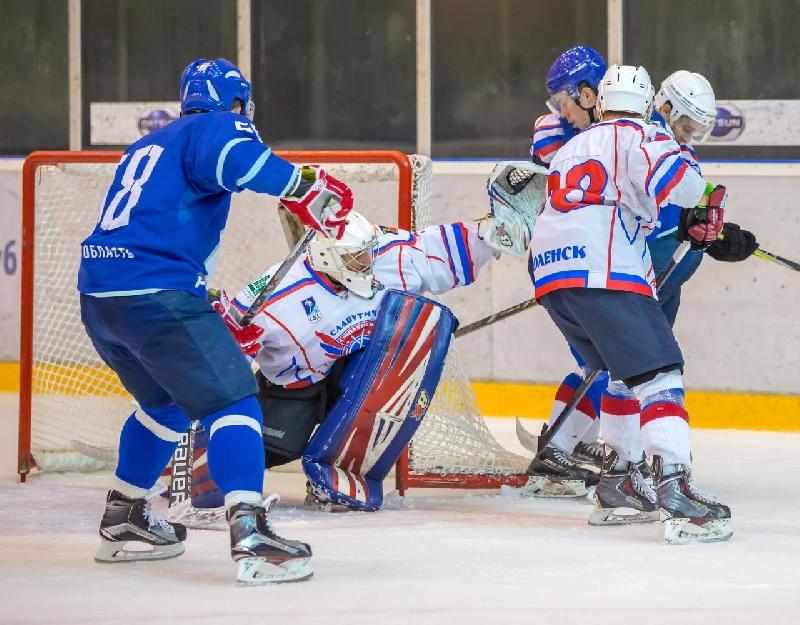 «Славутич» дозаявил семерых хоккеистов