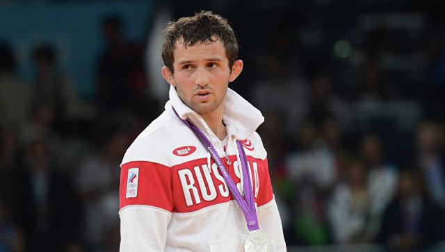 МОК не будет лишать борца Кудухова серебряной медали Олимпиады-2012